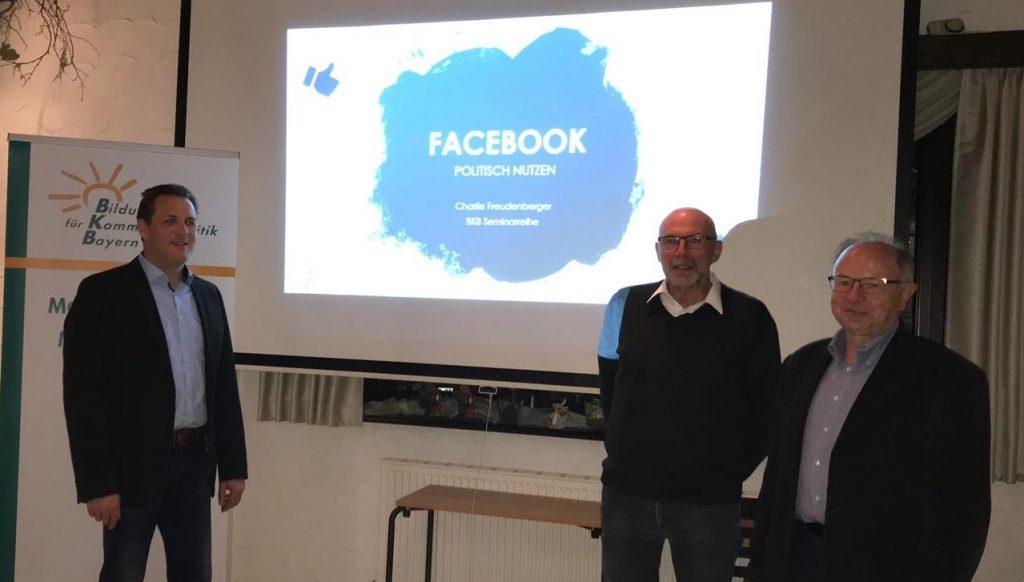 Freie-Wähler-Ortsvorsitzender Holger Seidel (li.) dankt dem Referenten des Abends, Karl-Erwin Freudenberger (Mitte), und dem BKB-Fortbildungsbeauftragten Robert Kremling (re.)